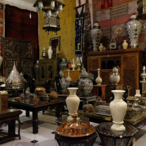 Negociate in moroccan shop-riad Assouel